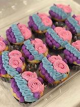 vampirina cupcakes