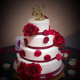 Stenciled fondant wine and white wedding cake