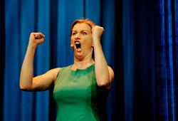 Christine Hope roer seg kraftig ned