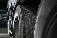 semi-truck-used-tire-tread-close-up-YFA6KGP.jpg