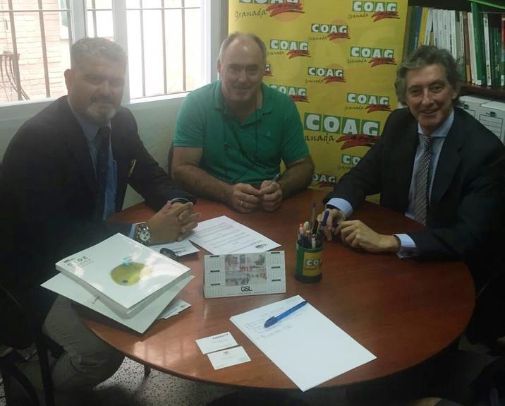 COAG Granada firma un convenio de colaboración con Cajasur para sus afiliados Granada, 8 de Noviembr