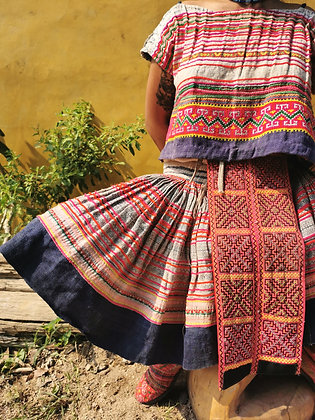 Chinese Vintage Hmong