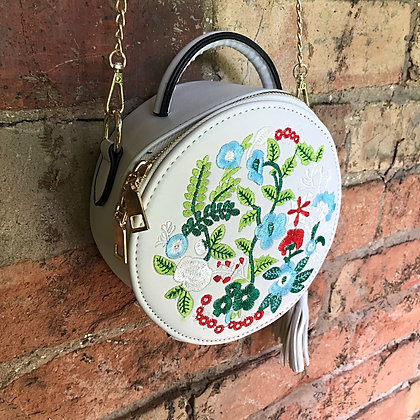 Joni Folk Art Embroidered Round Tote Bag- Cream