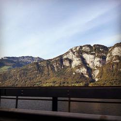 Kocham szwajcarskie widoki #wdrodze #zauta #widoki #widok #góry #jesień #szwajcaria #switzerland #he