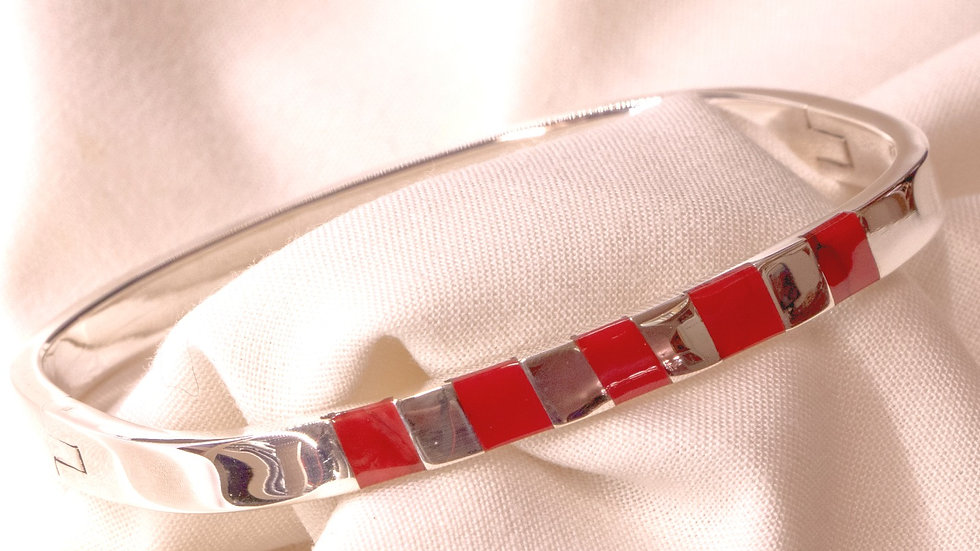 Beautiful .915 Mexican silver medium-width silver bracelet inlaid with red coral