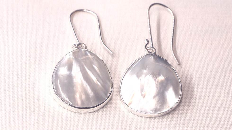 Silver earrings with Mother of Pearl - teardrop shape
