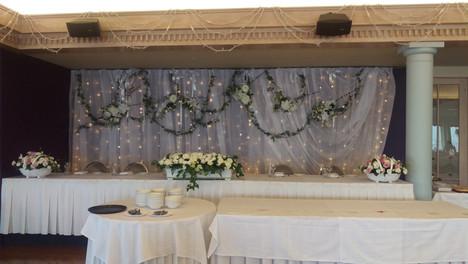 Bridal Table Wedding Flowers - Briar Rose Flowers.