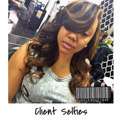 Client Selfies 😍 Custom Colored and slayed by _daisydoesmyhair _ Hair provided by _bundleboutique #