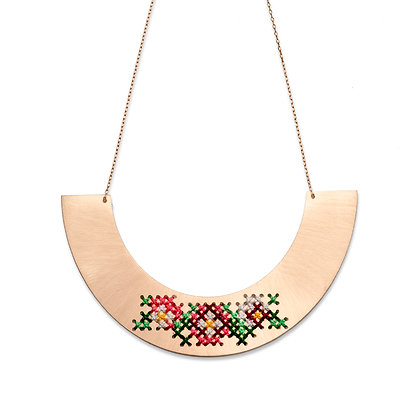 EMBROIDERED PINK GOLD NECKLACE