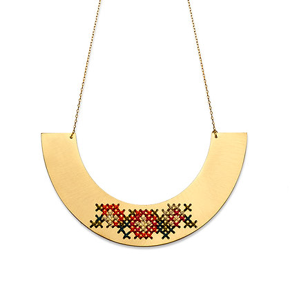 EMBROIDERED GOLD NECKLACE