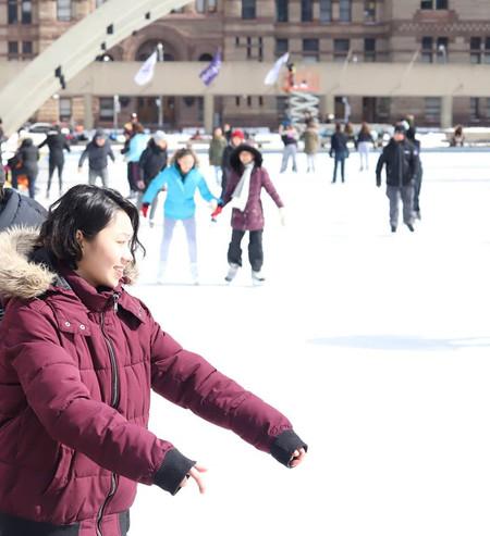 nathan phillips square - Skating - 03.jp