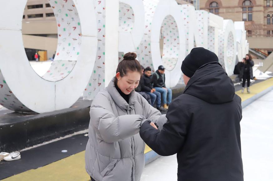 nathan phillips square - Skating - 04.jp
