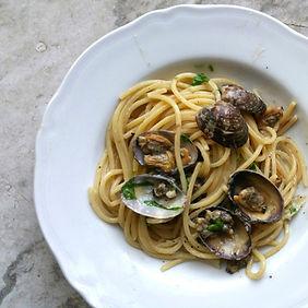 spaghetti with clams_edited.jpg