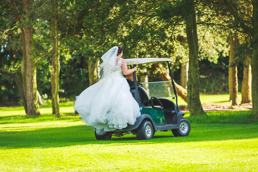 So what's one of the best things about getting married at a golf course? Golf carts... oh they are so much fun!