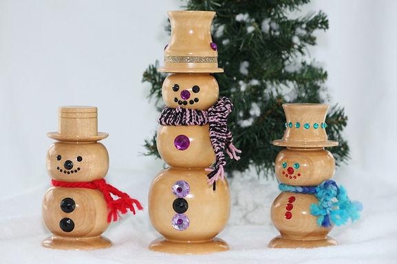 3 Bonhommes neige et sapin.JPG