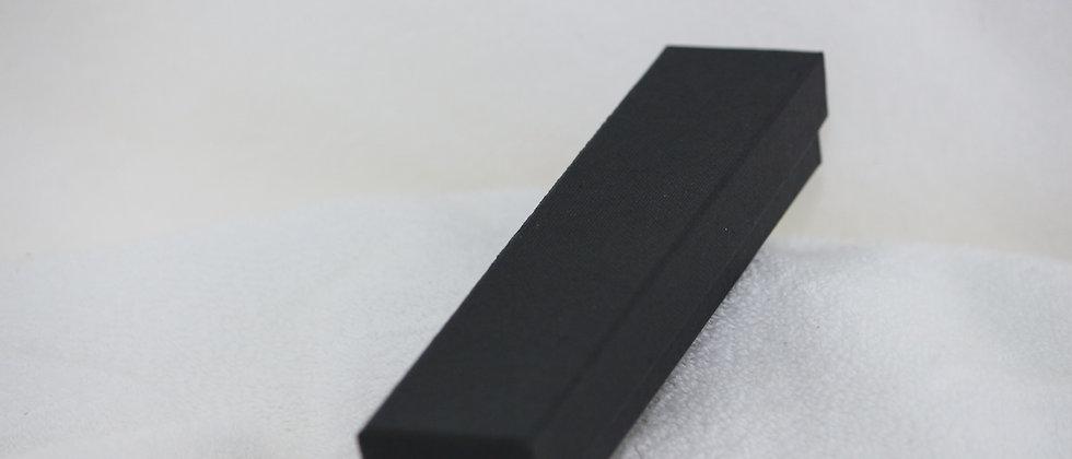 Boitier en carton noir