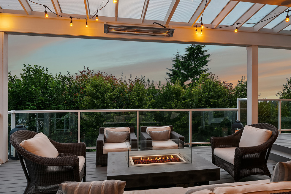 Covered and heated deck space