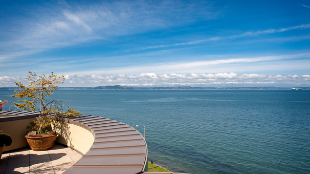 Alki Penthouse / Sold for $2,650,000