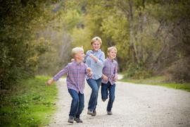 kids runing.jpg