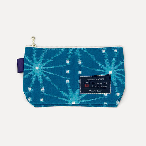takumi collection hand-knitted pouch blue