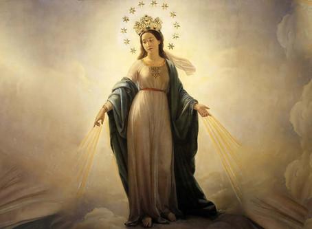 Todos aqueles por quem Ela intercede diante de Deus, são ouvidos por Ele em suas orações...