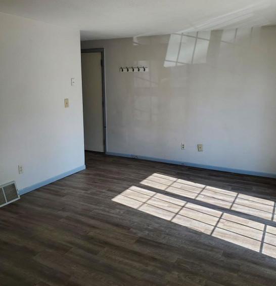 511 living room.jpg