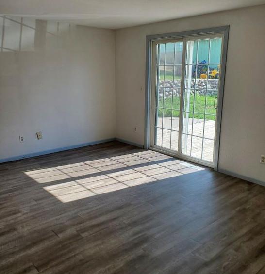 511 livingroom 2.jpg