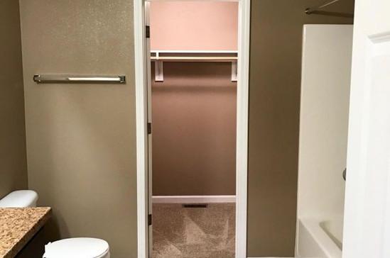 800 bath and closet.jpg