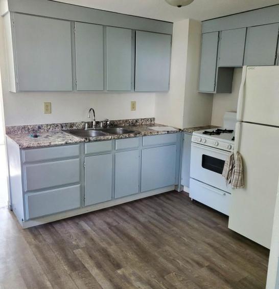 511 kitchen.jpg