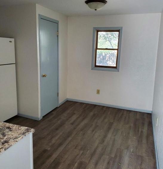 511 kitchen 2.jpg