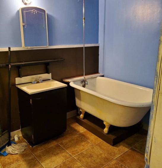 511 bath basement.jpg