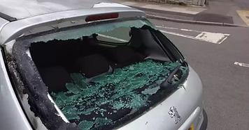 Peugeot 206 smashed rear window 1-min.jpg (2) (1).webp