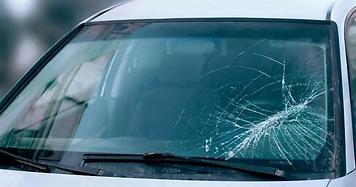 windshield-cracks-min.webp