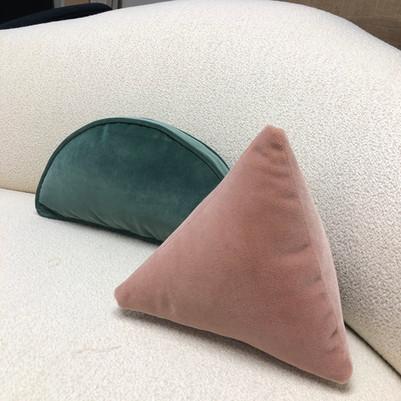 Piped half moon and pyramid pillow