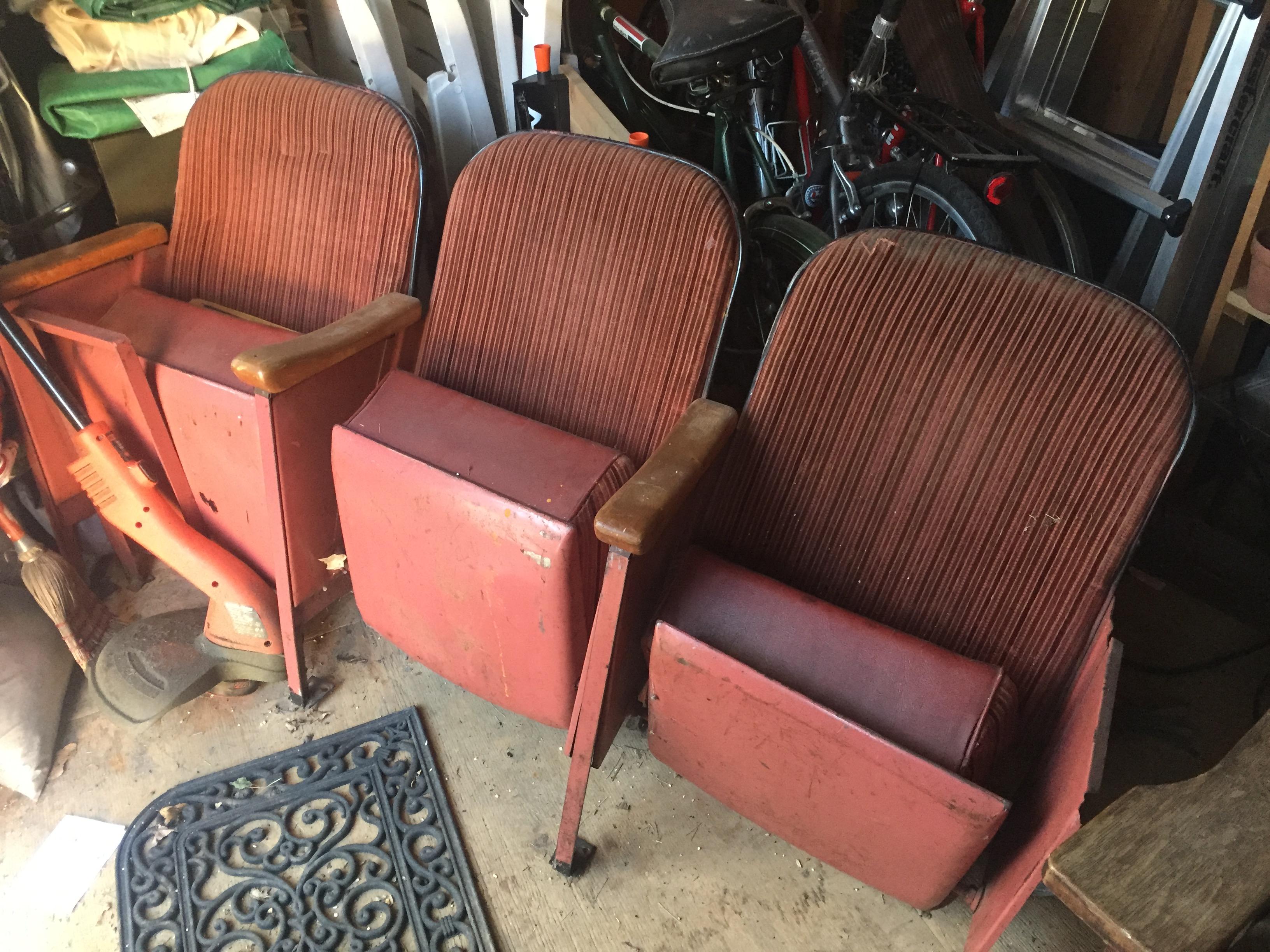 vintage theatre seats | $250