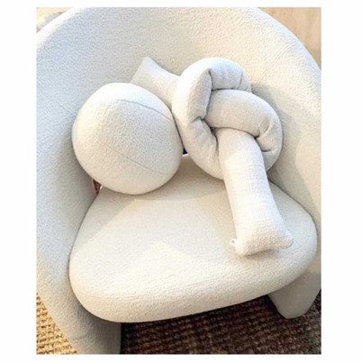 Sphere and single long knot pillow