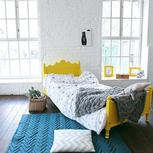 Маленькая кроватка