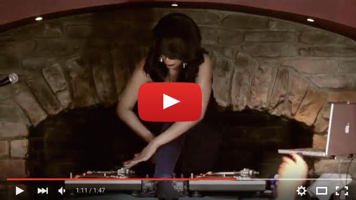 Dj Cocoa Chanelle Live Turntable Tricks