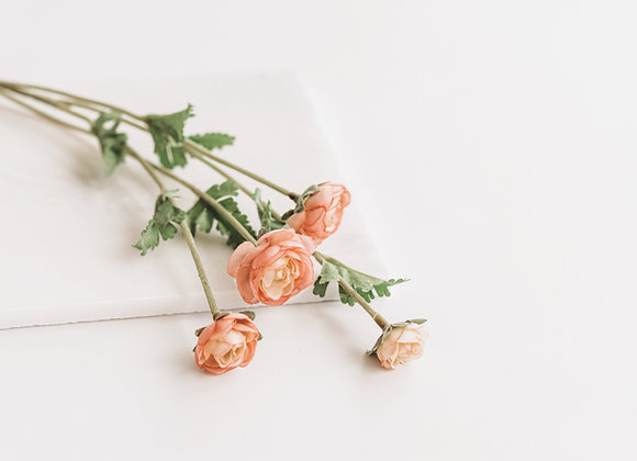 Kunststof - Ranonkeltjes roze toets