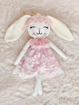 HE |cuddle bunny Anna