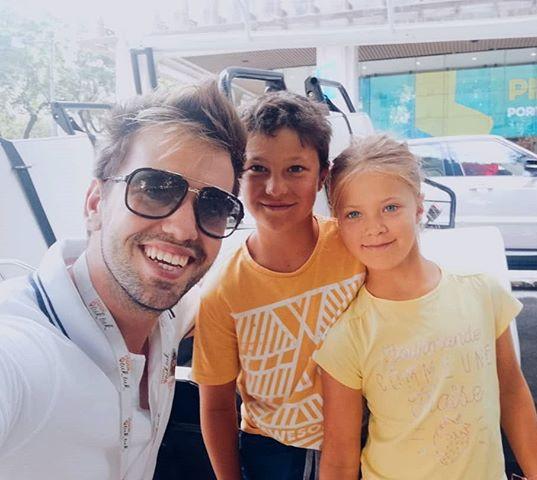 Tour with the kids 👌 #tour #itookatuktu