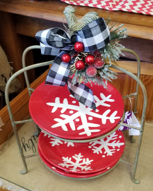 Plate Holder with Snowflake Plates