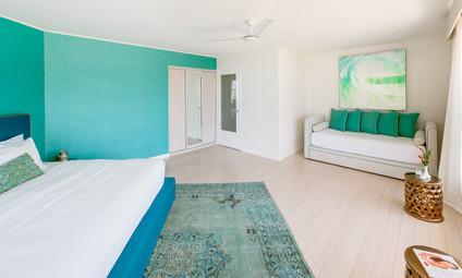 The Retreat CR-Deluxe Room 5.jpg