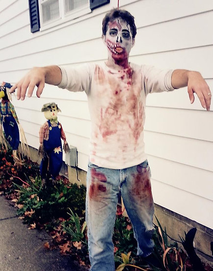 Heath, Ohio Zombie party entertainer for hire, zombie balloon twister, Columbus Ohio party entertainers for hire