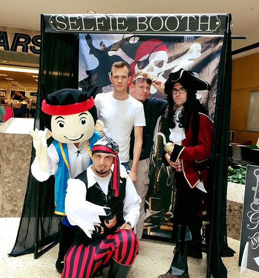 Columbus, Ohio Pirates entertainers, pirate characters for hire, birthday party pirate, Ohio pirates for events OH