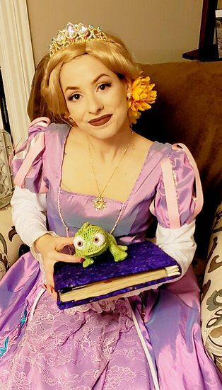 Rapunzel princesse character for hire - fairytale princesses for birthday parties and event Columbus, Ohio
