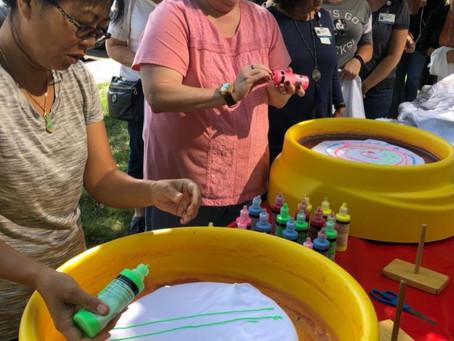 Spin Art Fun - AWESOME indoor or outdoor fun.