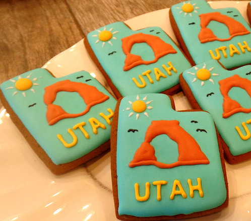 """Utah Cookie """"Red Rock Arch"""" - Dozen"""