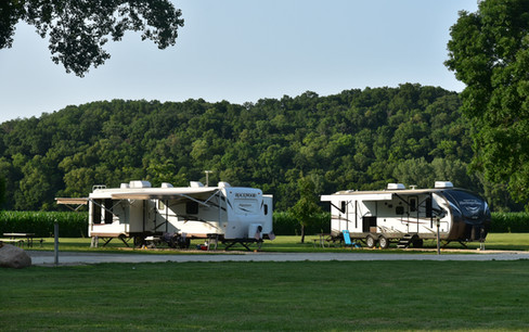 campers and bluff at gilbertson.jpg