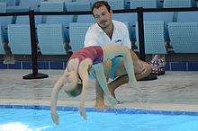 Childrens diving lessons in Dubai. Beginner diver.
